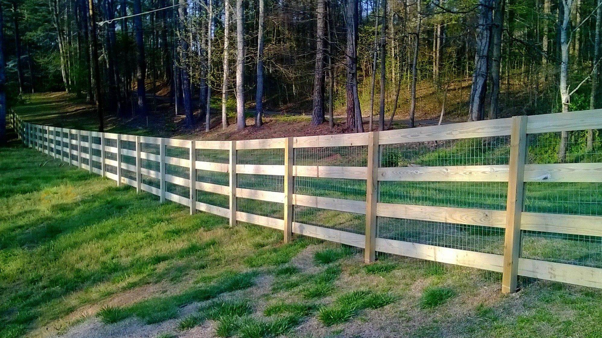 4 Rail Ranch Rail w/ Flat Post and Galvanized Welded Wire